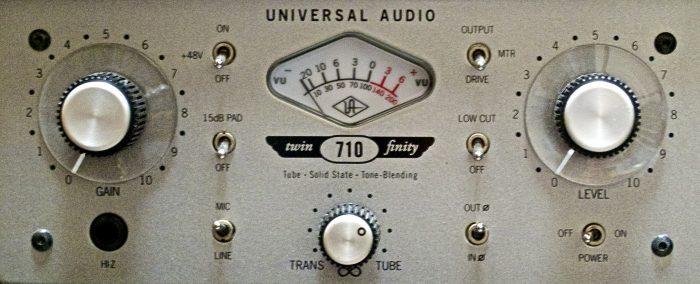 universal_audio_preamplifier__di_box